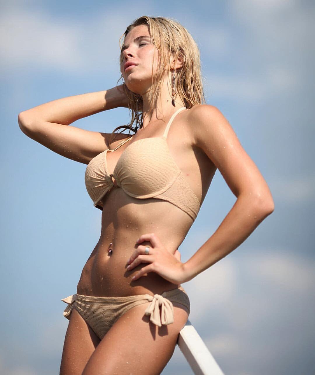 Free nudist beach pics photos