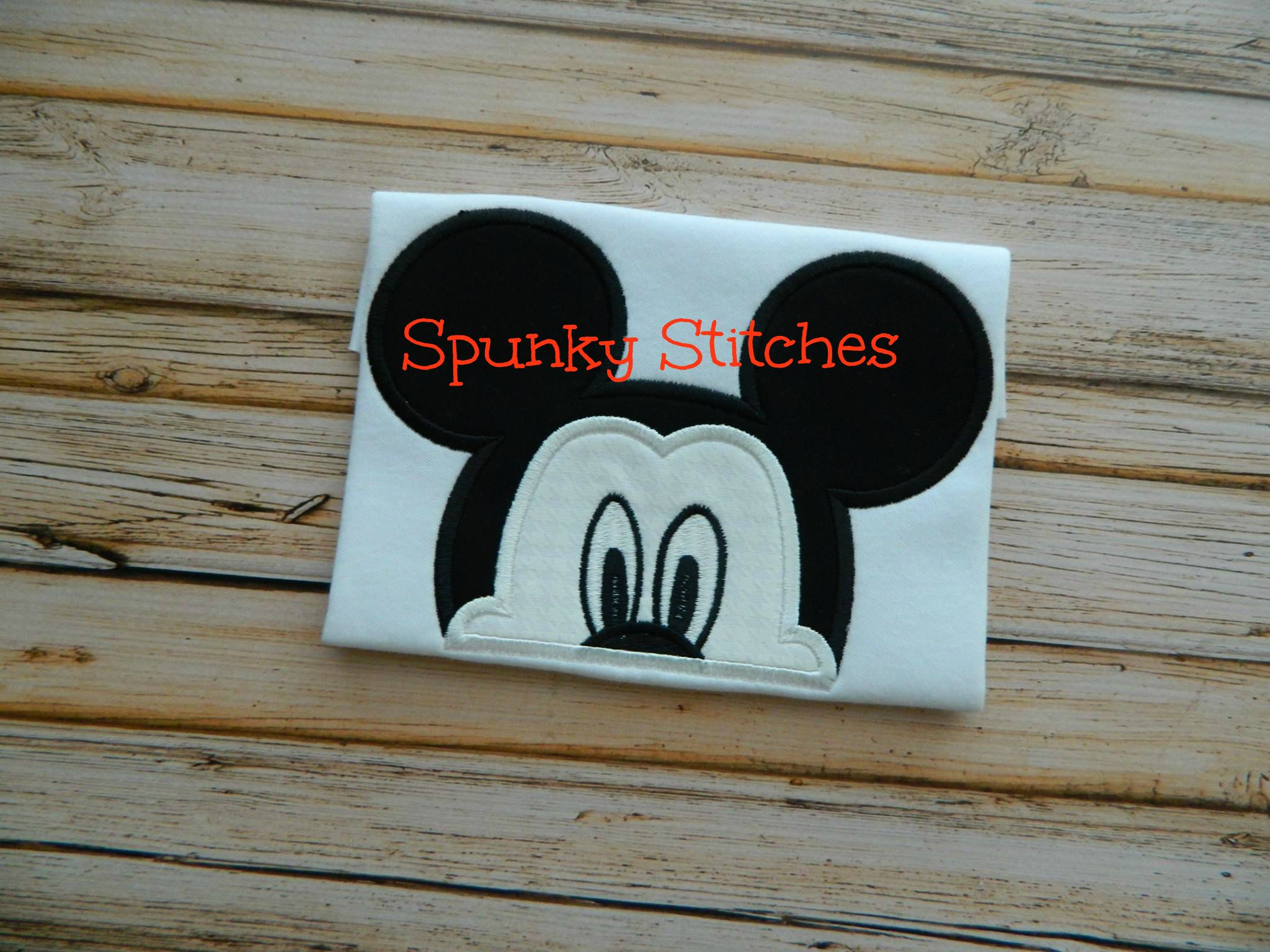 Mickey Peeker Hooded Towels Applique
