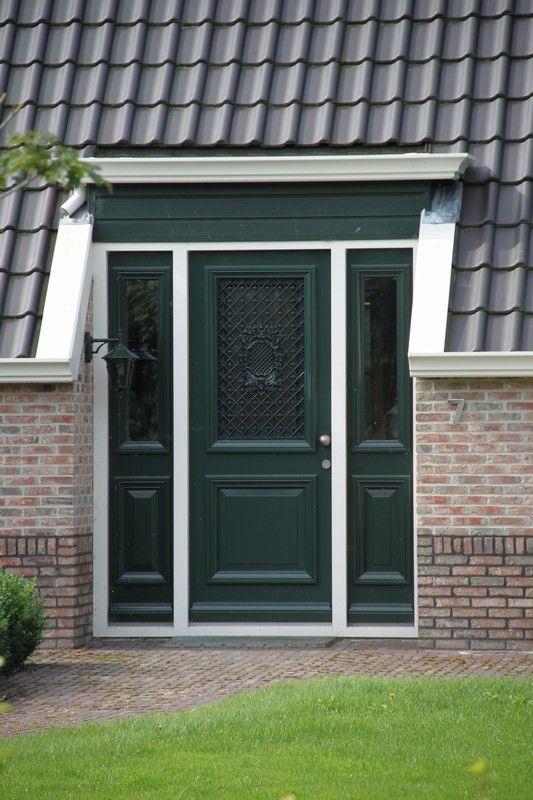 De smalle stroken maar dan glas naast de glazen deur moderne voordeur boerderij google zoeken - Moderne entreehal ...