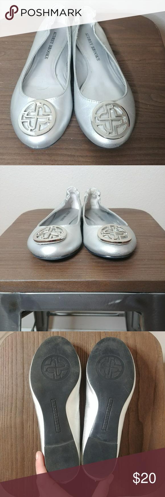 ff4a41e84def Audrey Brooke Paris Ballet Flats Silver 6 Audrey Brooke Paris Ballet Flats  Silver Size 6 Preowned