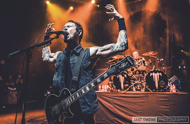 Matt Heafy in 2020 | Matt heafy, Epiphone les paul, Les paul custom