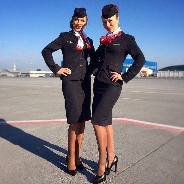 Встретились две стюардессы,которые любят фотографироваться и краситься каждые 5 минут)#uralairlines #topstewardess #уральскиеавиалинии#topstewardess Reposted @karinashagg