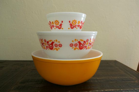 Vintage Pyrex Friendship Mixing Bowl Set 1.5 Pint by MaeLeeMoon ...
