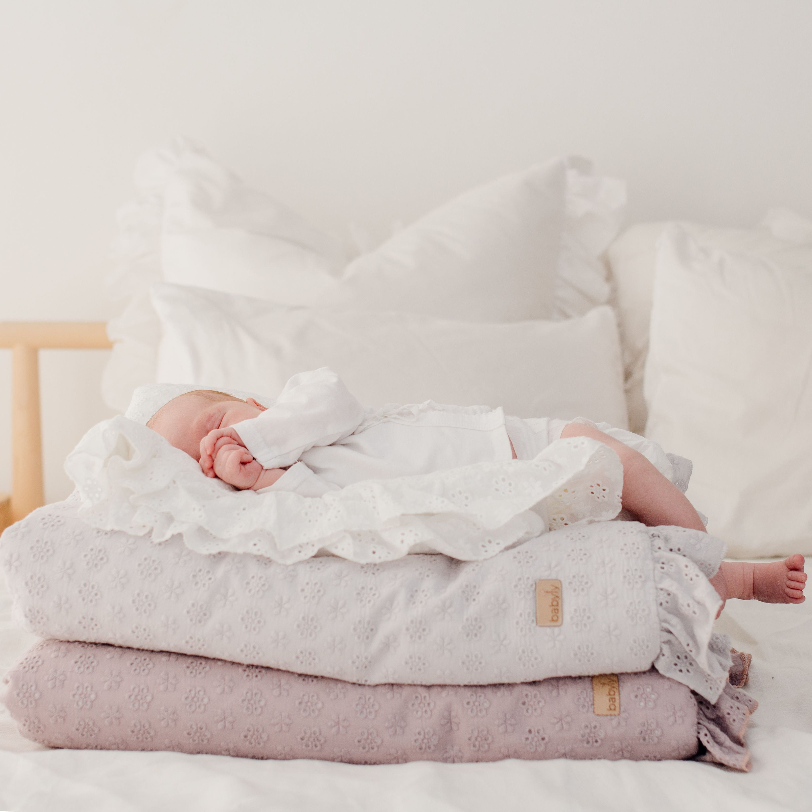Haftowana Posciel Dla Dziecka Home Decor Bassinet Furniture