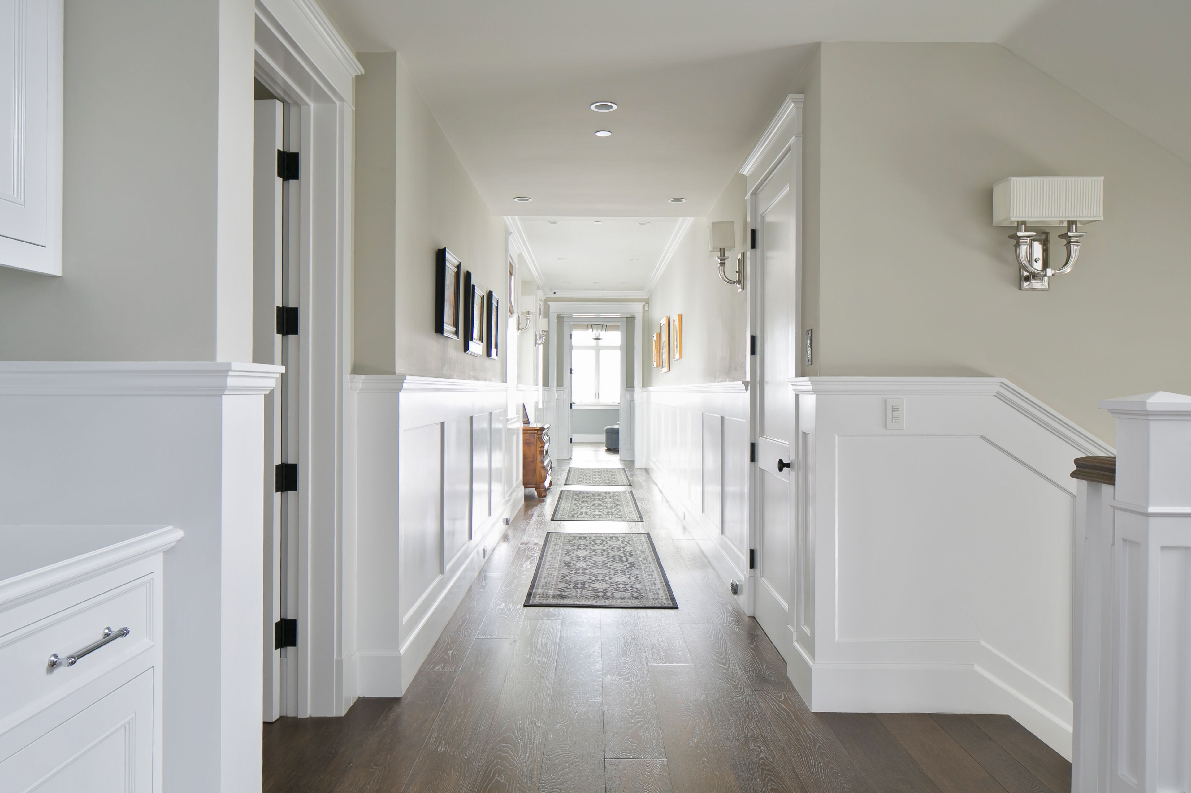 We Love The Color Of These Walls The Wainscoting Adds A Brilliant Contrast To The Paint Color And Wainscoting Styles Dining Room Wainscoting White Wainscoting