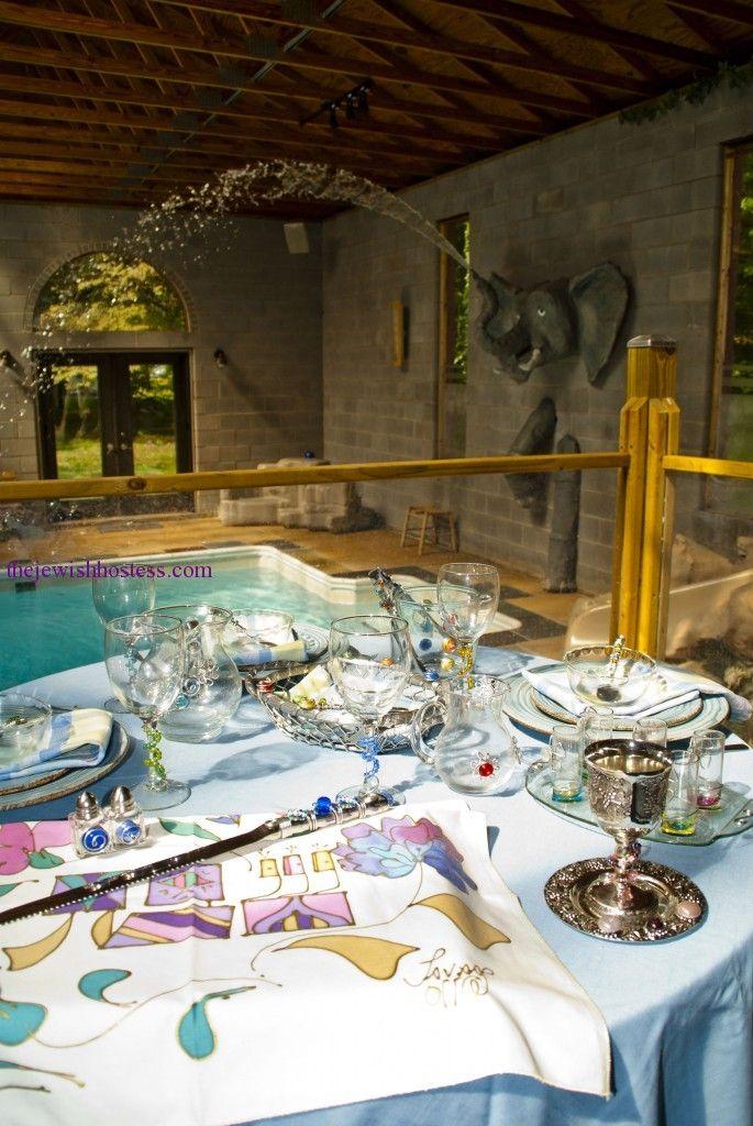 Poolside shabbat table setting & Poolside shabbat table setting   Party ideas   Pinterest