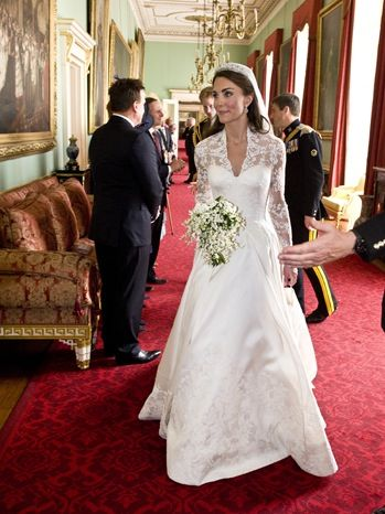 Kate Middleton S Wedding Dress Goes On Display In London Saturday Kate Middleton Wedding Dress Kate Middleton Wedding Wedding Dresses