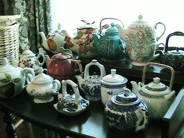 Photo gallery: Large moving sale | EstateSales.org