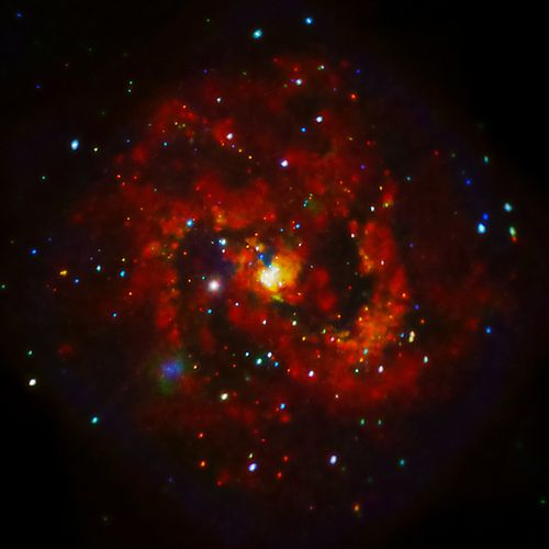 X-rays From Young Supernova Remnant in M83 (NASA, Chandra, 07/30/12)