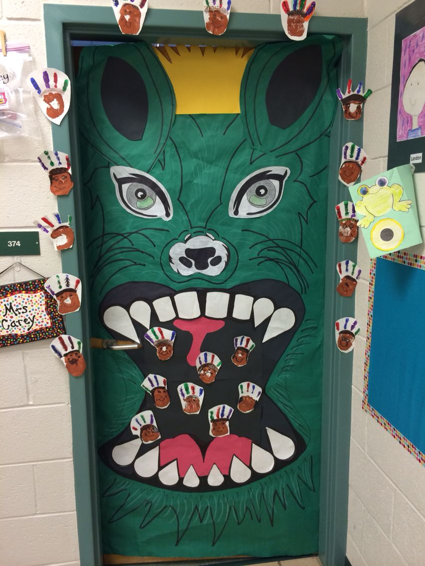 Elementary class door decoration for homecoming pep rally