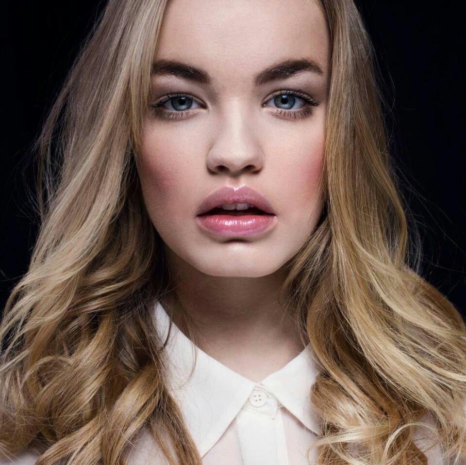 Romi van Renterghem | Hair makeup, Esquire magazine, Model