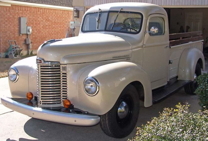 1949 International KB-2 MY FIRST TRUCK WAS A 1949 1 TON IT