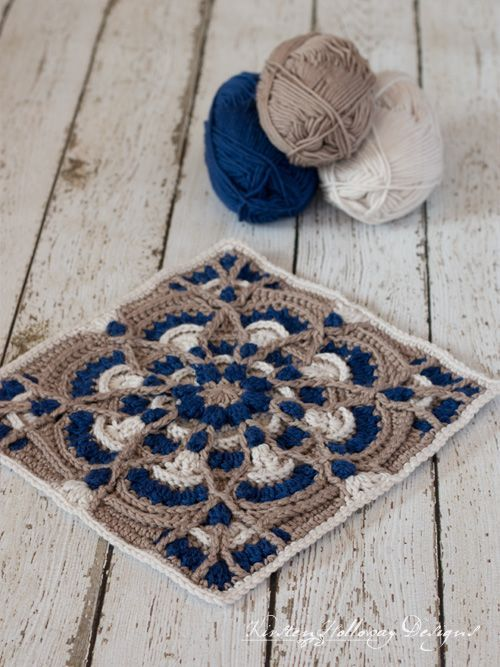 Perfectly Provincial - Free 12 Crochet Square Pattern #grannysquares