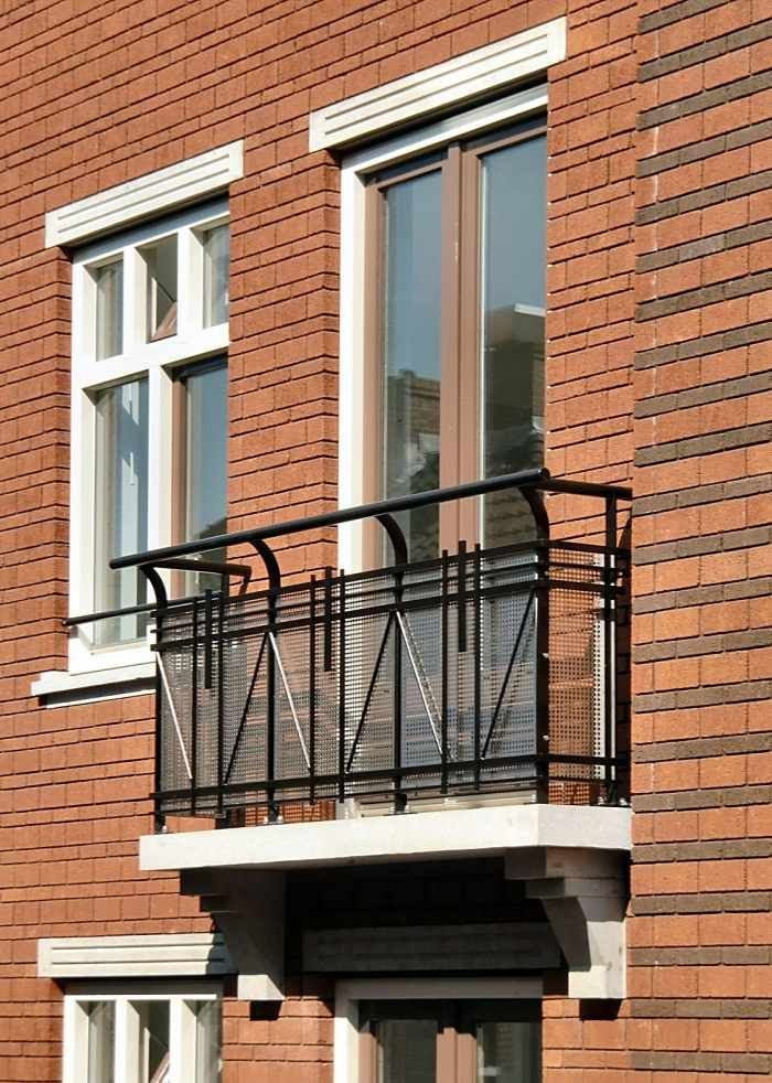 Der Franzosische Balkon Eine Sympathische Alternative Franzosische Balkone Balkon Dekor Balkonentwurf