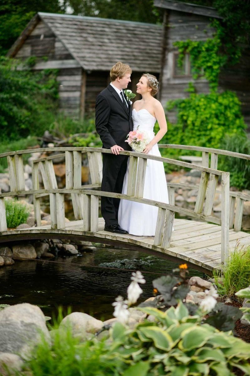 Stone Cottage Gardens Michigan wedding venues, Wedding