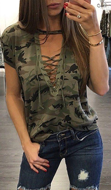 Compre Aqui Blusa Camuflada com Choker  a24ac1a5f1e