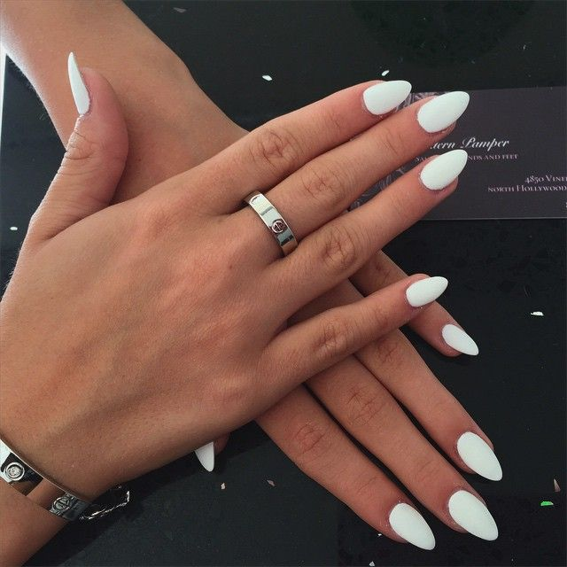 im in love with these white matte nails follow them........ rn ...