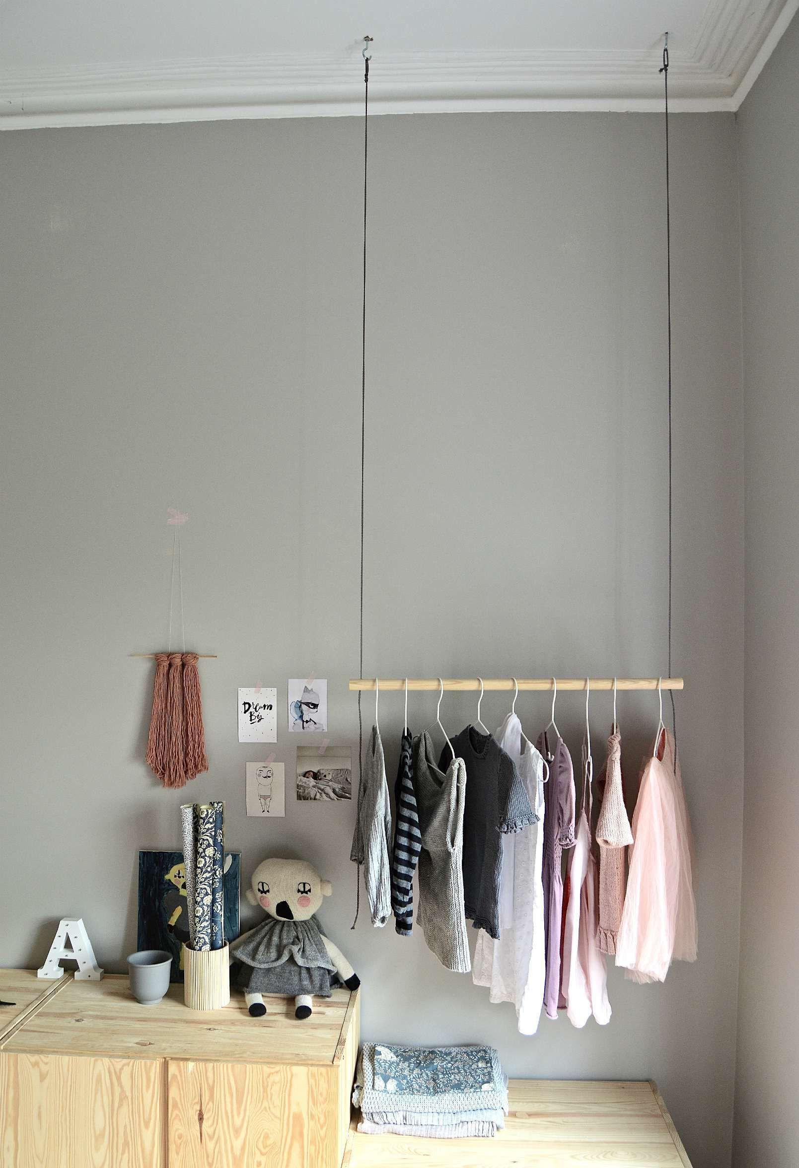 Hang on! With this DIY hanging clothes rack -   20 DIY Clothes Decoration inspiration