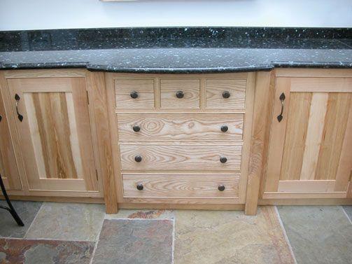 Best Bespoke Cabinet Makers Custom Cabinet Maker Cabinet 400 x 300