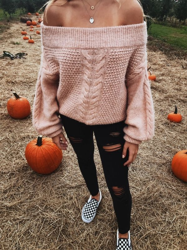off the shoulder sweater in the pumpkin patch #pumpkinpatchoutfitwomen