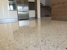 Risultati immagini per pavimento graniglia arredamento