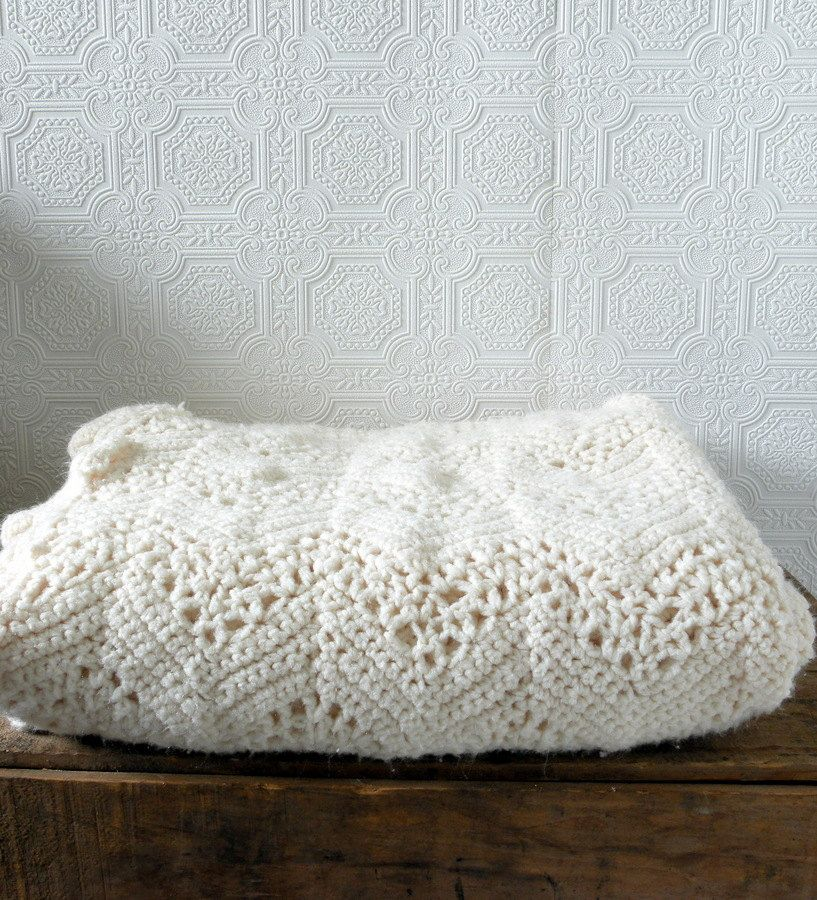 Gorgeous vintage ivory crocheted blanket. $40.00, via Etsy. SOLD ...
