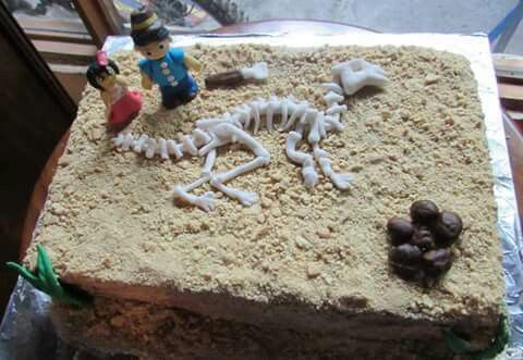 Tarta fosil dinosaurio