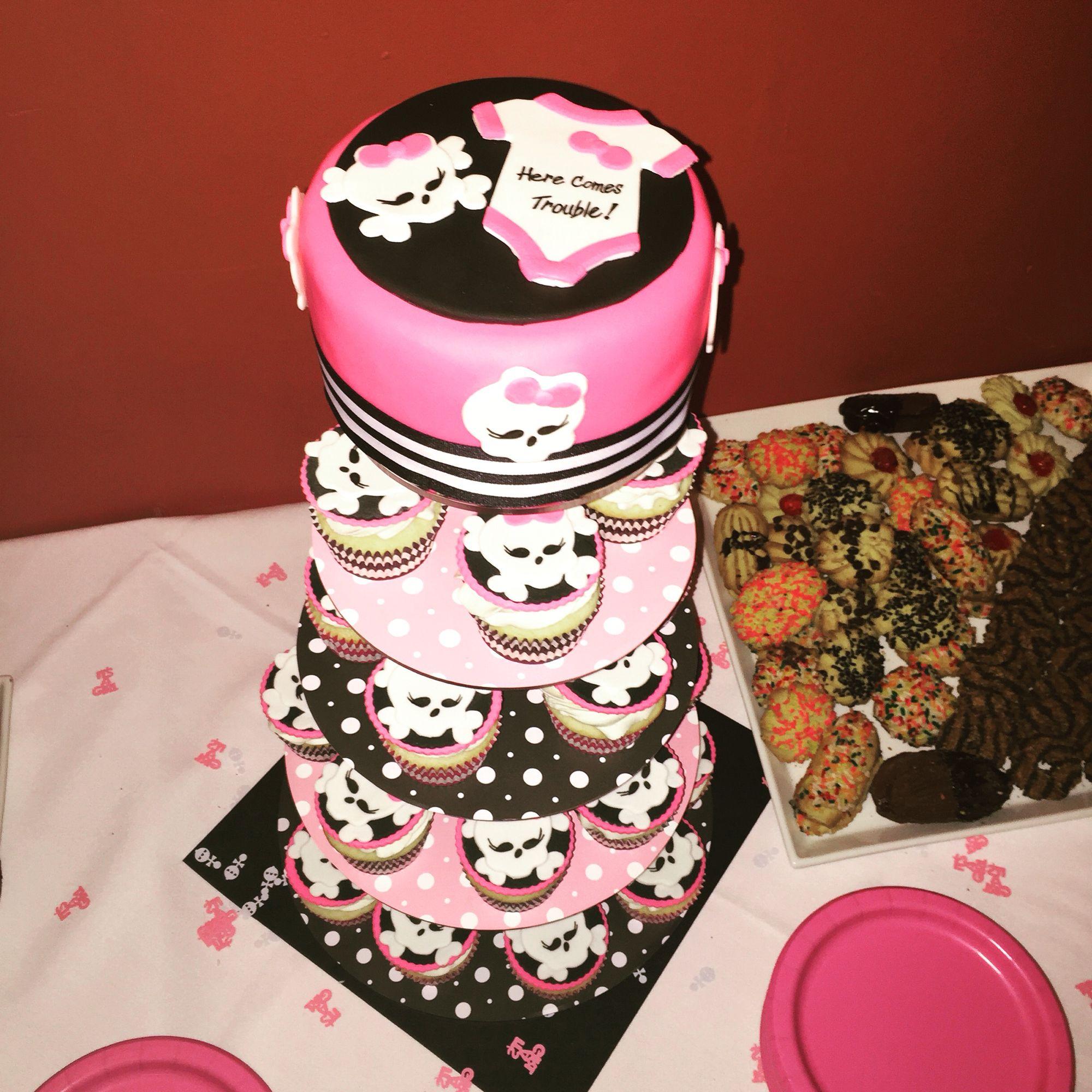 Skull Girl and crossbones cake
