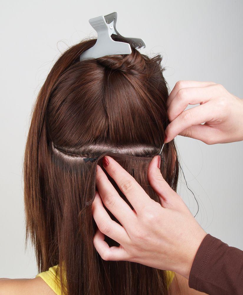 Extensiones de pelo cosidas en pelo corto