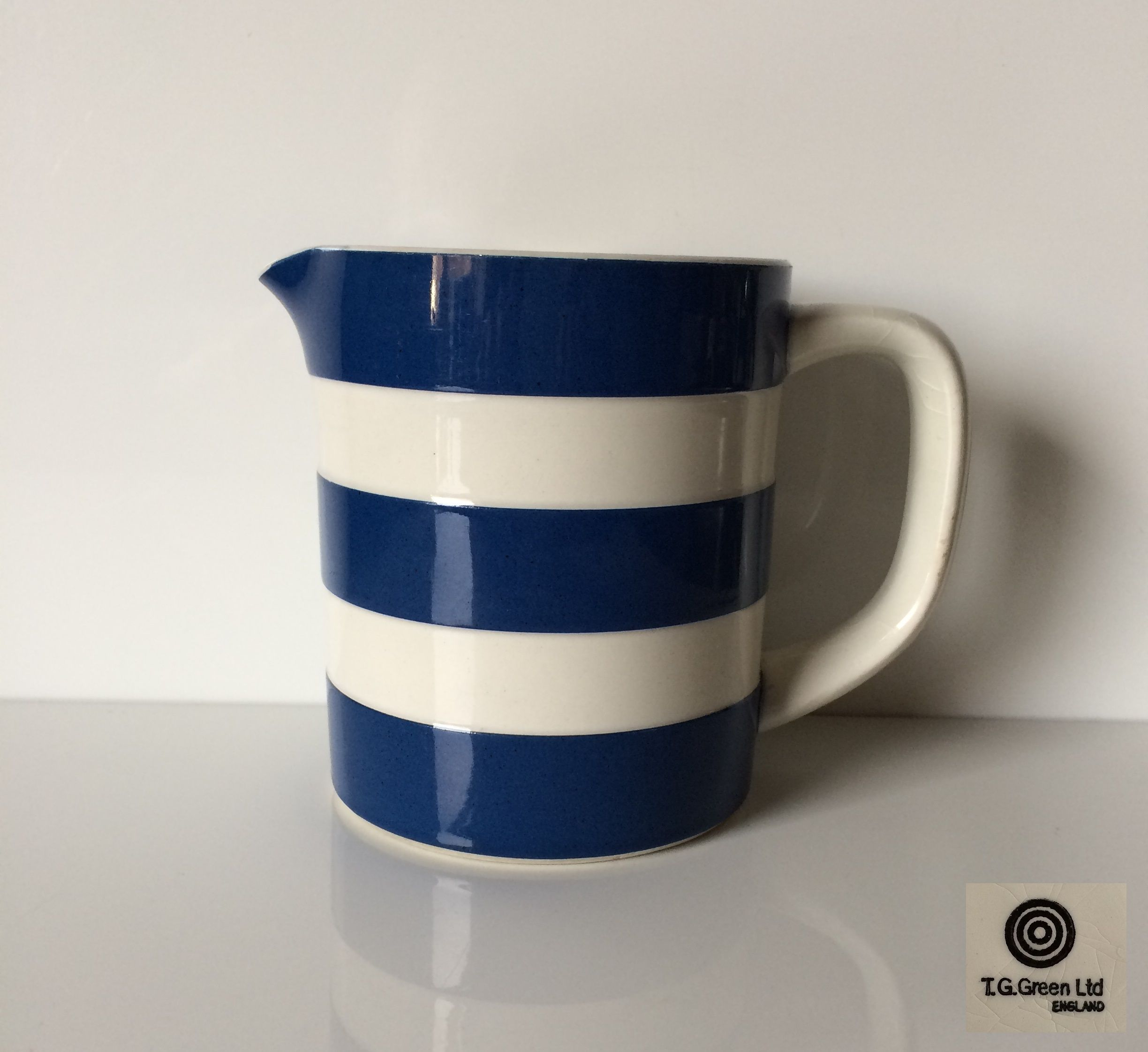 T G Green Cornish Ware Small 95mm Straight Sided Jug In A Navy Blue Colourway An Unusual Piece As It S Not A Judith Onions Res Cornishware Glassware Pottery