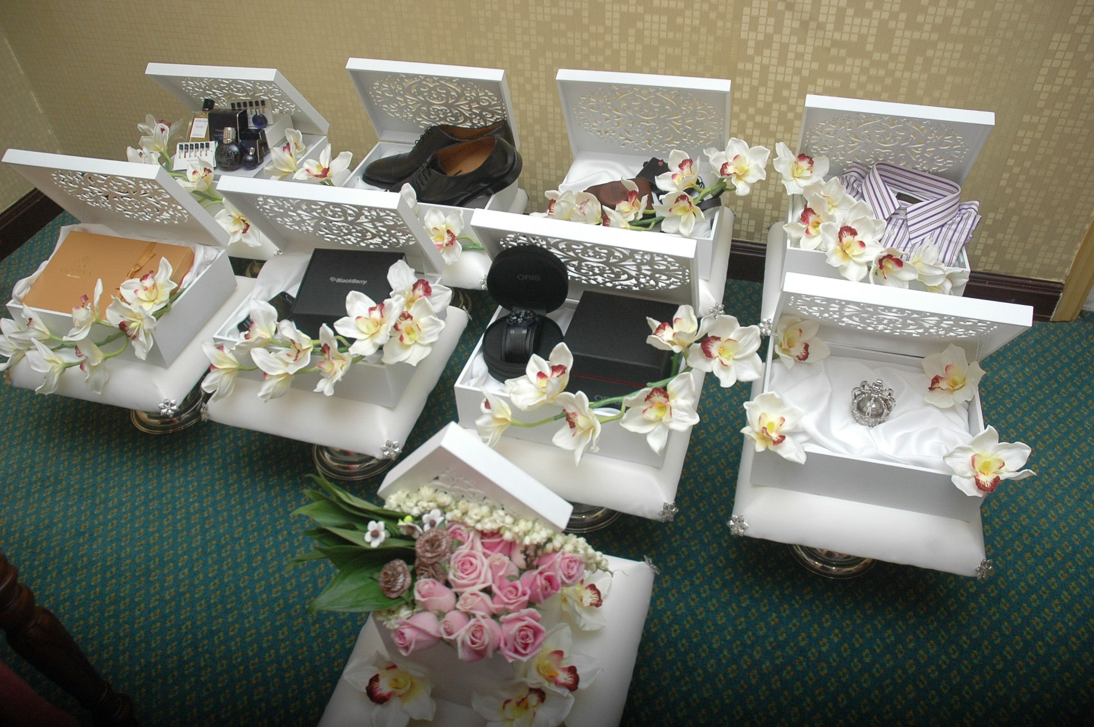 Malaysia Wedding Gifts: Image Result For Gubahan Hantaran Terkini Bunga Orkid