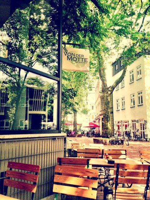 Cafe Von Der Motte In Hamburg Ottensen Hamburg Geheimtipp Hamburg Hamburg Sehenswertes
