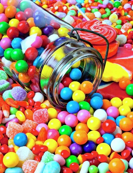 Des boules de chewing gum bien colorées   Couleur ...