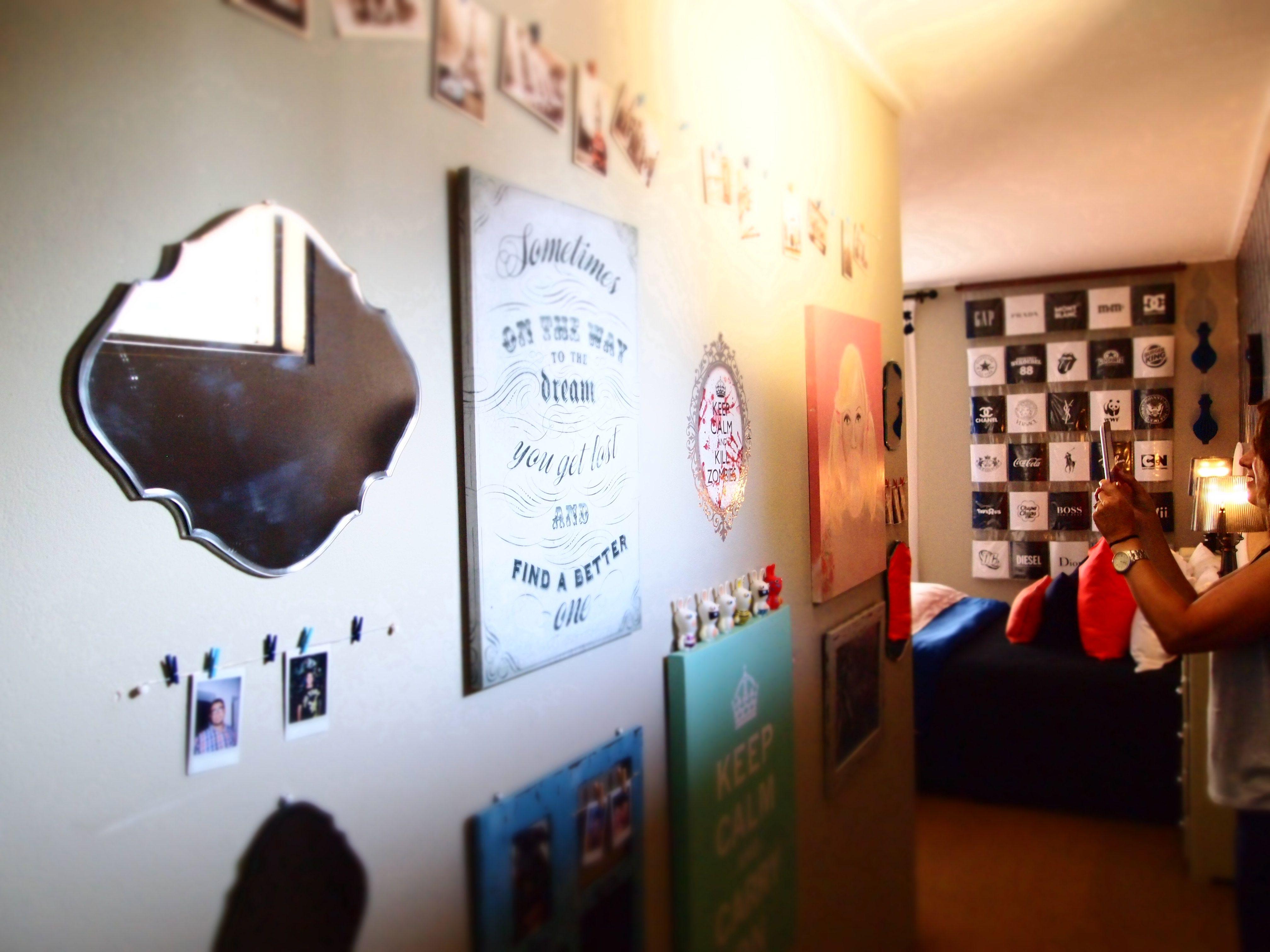 Memoryart wall at entrance of coral u navy teenage bedroom