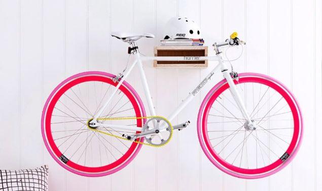 fahrrad halterung couch das erste wohn fashion magazin fahrradfahren fahrradparken. Black Bedroom Furniture Sets. Home Design Ideas