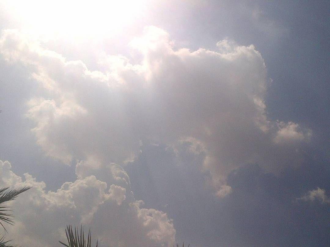 شبكة أجواء الامارات السحب على المنامة الان من الزميل اسحاق البلوشي Instagram Instagram Posts Outdoor