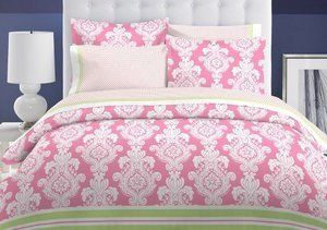 Pink Bedding For A Beautiful Bedroom   http://www.webnuggetz.com/pink-bedding-for-a-beautiful-bedroom/