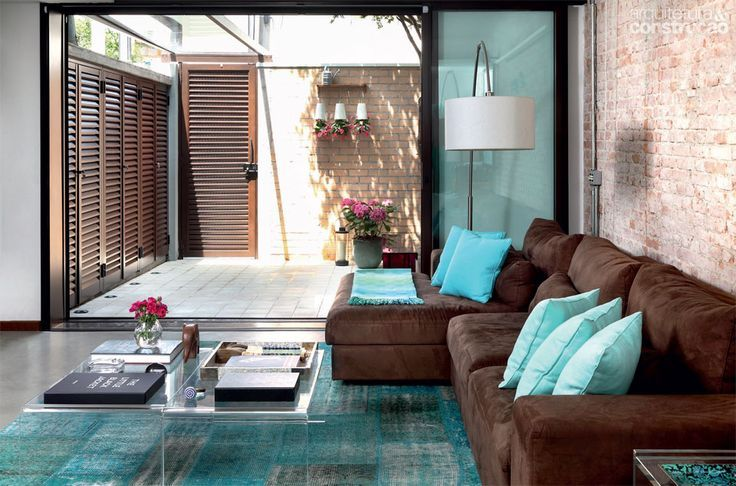 Imagem 6 my new room pinterest turquesa for Sala de estar marron