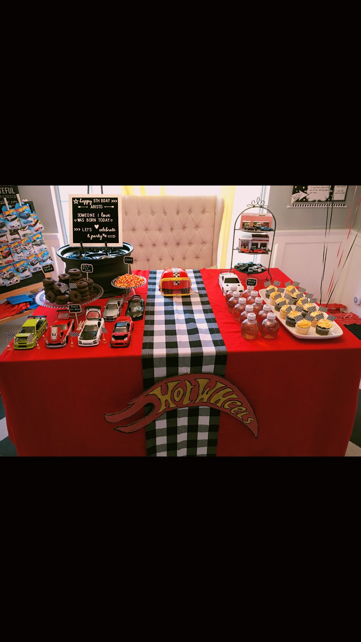 cars hot wheels birthday decor cake table birthdays events in rh pinterest com