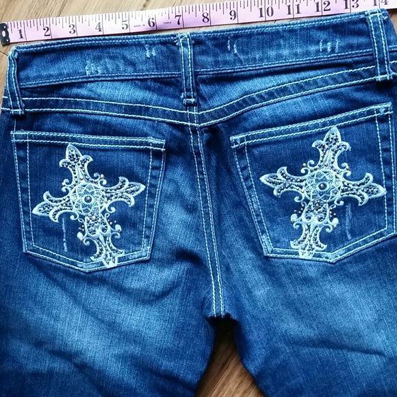 """WRANGLER: ROCK 47 inseam """" 29 """" Good condition.  Professionally hemmed Wrangler Jeans"""