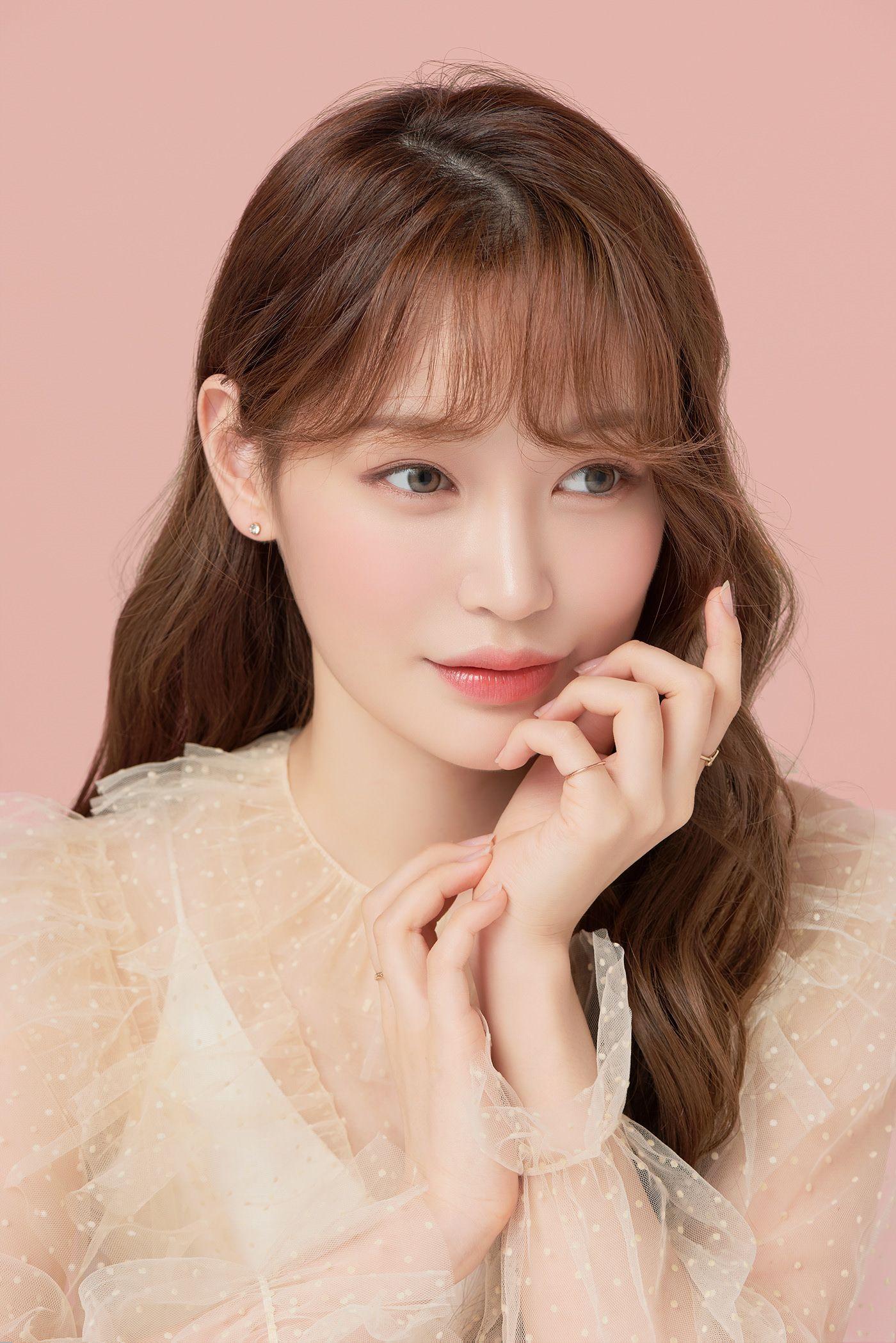 Hea Lin Kwon on Behance Makeup photography, Blusher, Behance