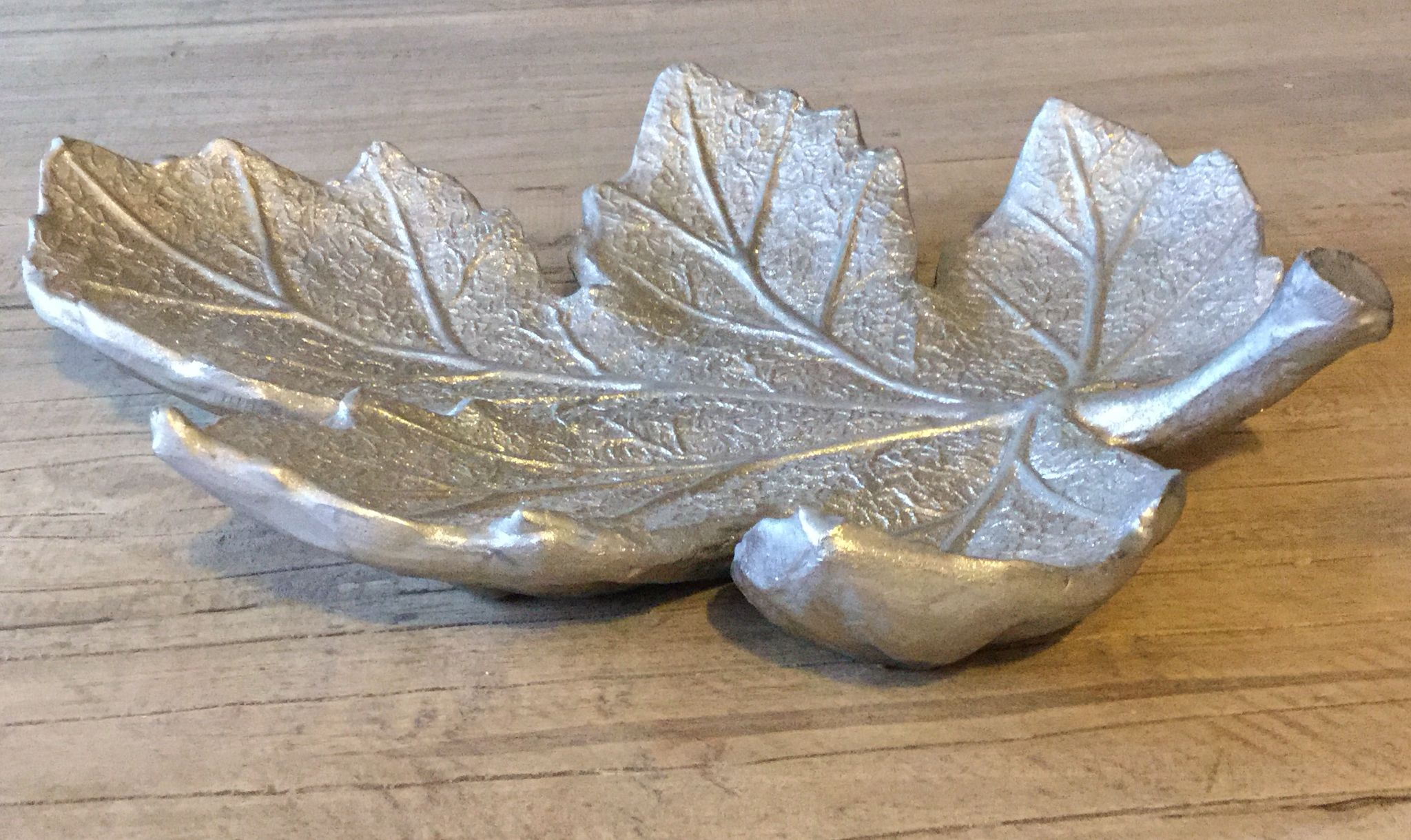 Lovely silver leaf fruit bowl