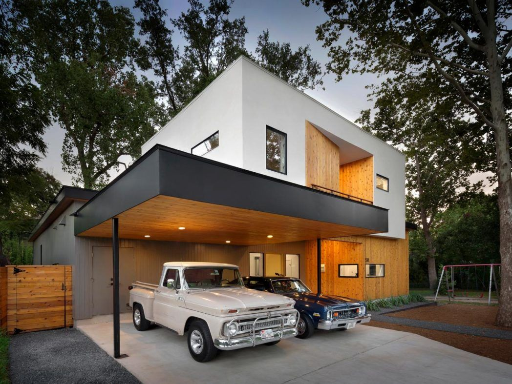 Natural Brown And White Wall Minimalist Modern Carport With Small Garage Can Add The Elegant Touch Inside It Als Carport Designs Modern Carport Courtyard House