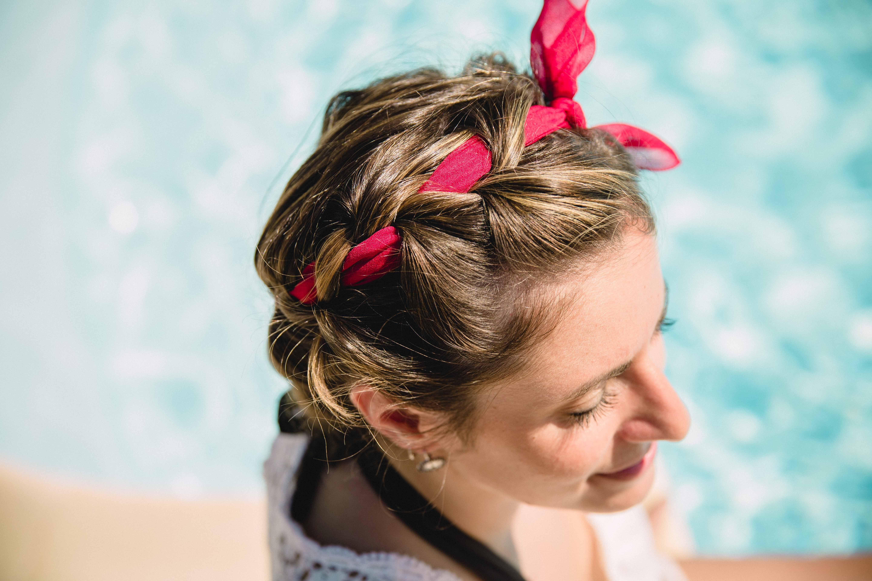 tuto Coiffure pour l'été avec un ruban dans les cheveux