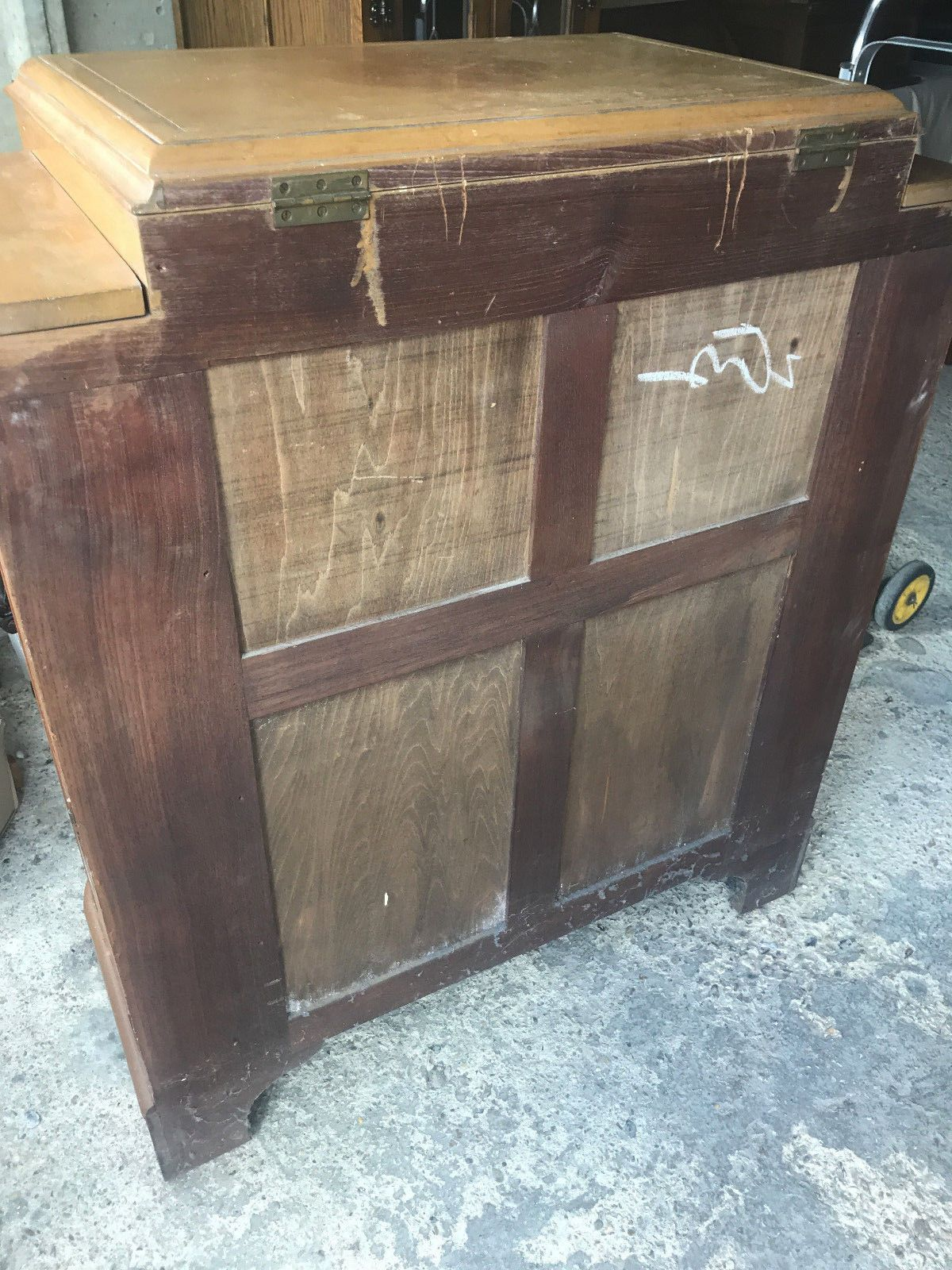 Beautiful Drink Cocktail Cabinet Chinese Oriental With Carvings 93Cm Wide