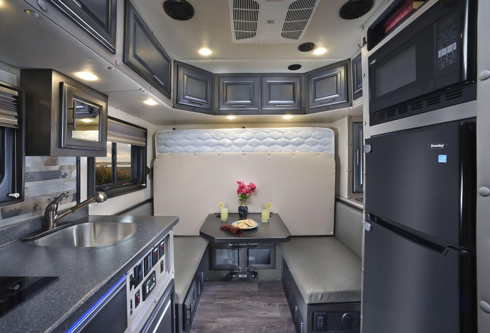 Custom Sleepers In 2020 Semi Trucks Interior Truck Interior