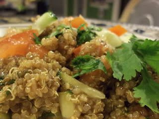 This is a delicious and healthful Quinoa Veggie Salad! Check out how to make it for dinner or lunch today! :D