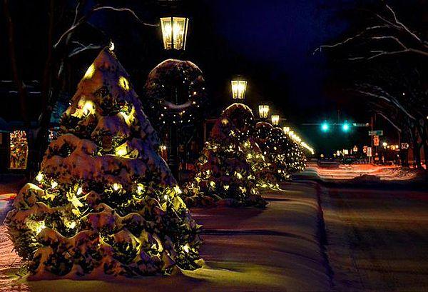 Main Street Wellsboro At Christmas By Bernadette Chiaramonte Wellsboro Christmas Main Street