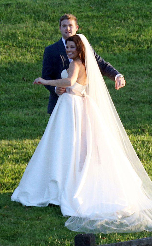 Amy Duggars Wedding Dress After