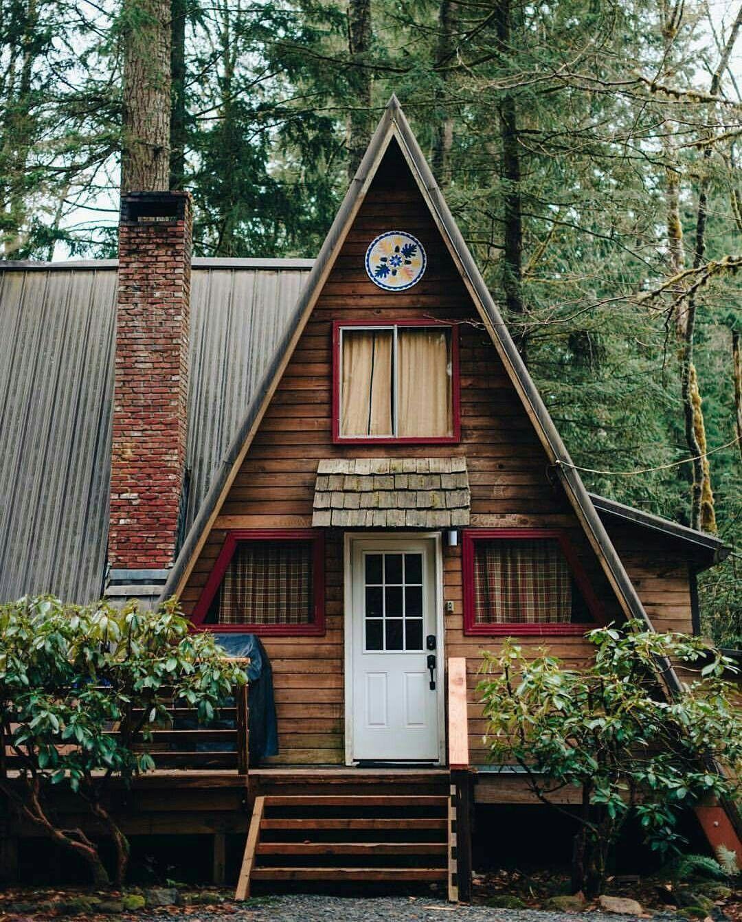 Gingerbread housegingerbread house in 2020 cabin in